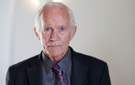 Interview: Stung's Lance Henriksen