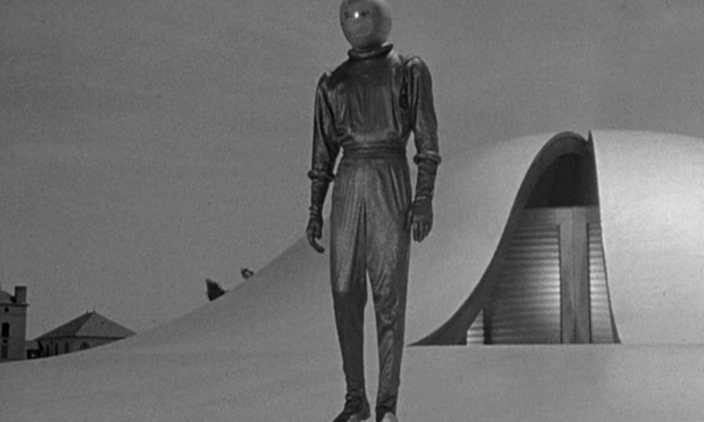 SCI-FI NERD: Throwback Thursday - The Day The Earth Stood Still (1951):  The Film That Turned Alien Visitation Stories On Their Head