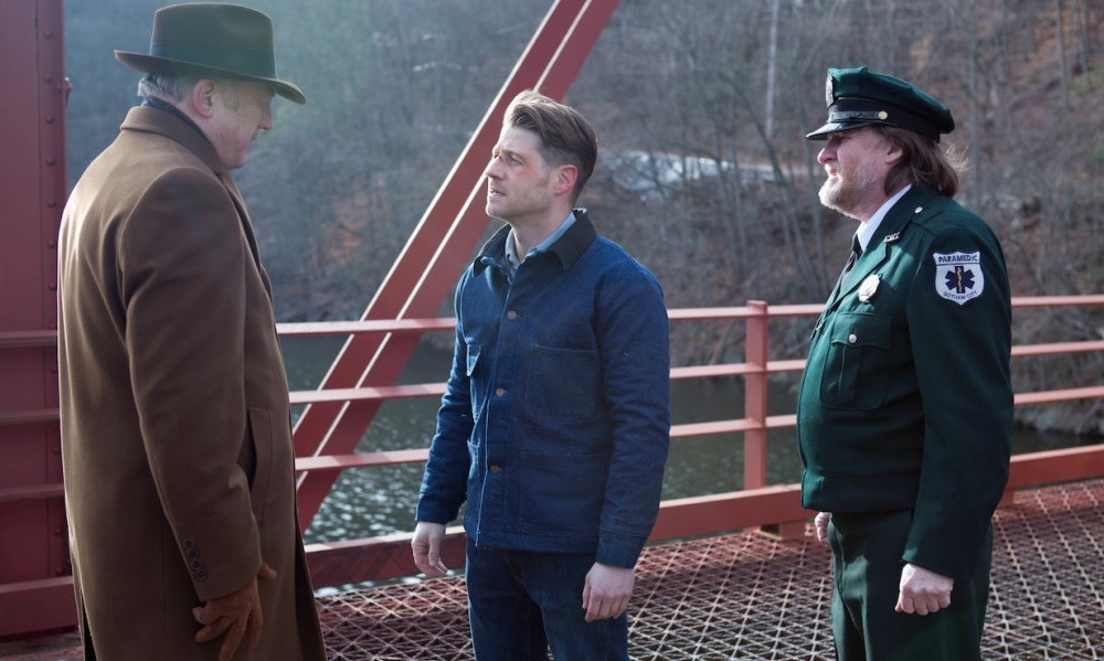 """GOTHAM: Ben McKenzie (C) and Donal Logue (R) in the """"Wrath of the Villains: Prisoners"""" episode of GOTHAM airing Monday, March 28 (8:00-9:01 PM ET/PT) on FOX.   ©2016 Fox Broadcasting Co. Cr: Jessica Miglio/FOX"""