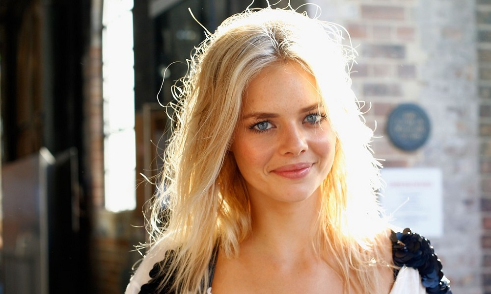 Interview samara weaving sci fi movie page samara weaving was born in australia and first gained prominence there in the aussie tv series out of the blue american audiences have likely seen her pmusecretfo Gallery
