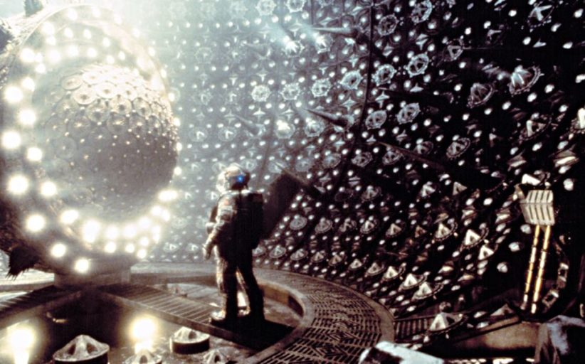 Event Horizon (1997): Hit Or Miss? A Tale Of Two Movies